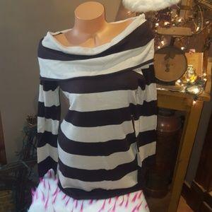 Bebe boat neck long fit sweater L